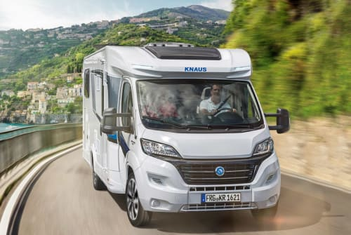 Hire a motorhome in Saldenburg from private owners| Knaus Sky TI 650 MF