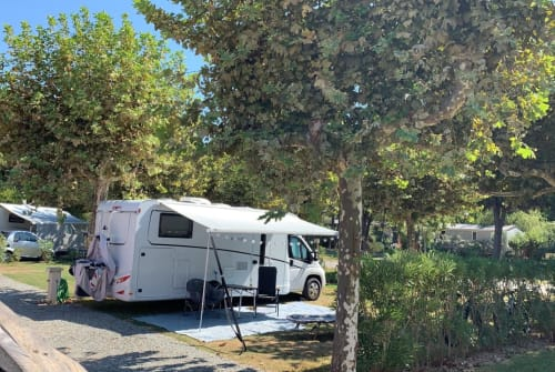 Hire a motorhome in Neumarkt in der Oberpfalz from private owners| Dethleffs Dethleff