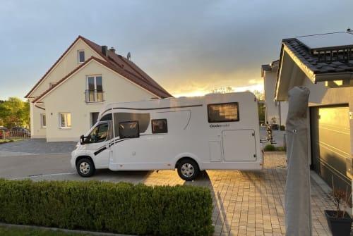 Hire a motorhome in Sielenbach from private owners  Glücksmbobil Glückskex