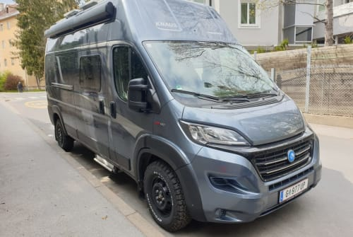 Hire a motorhome in Graz from private owners| Knaus Robinson