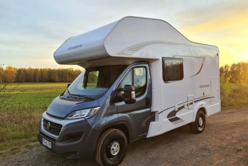 Hire a motorhome in Bernau bei Berlin from private owners| Fiat / Weinsberg CaraHome 600 MG