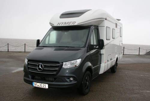Hire a motorhome in Husum from private owners| Hymer Landhaus