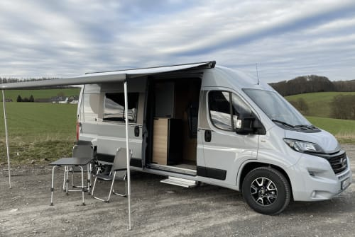 Hire a motorhome in Rösrath from private owners| Carado CleverCamper
