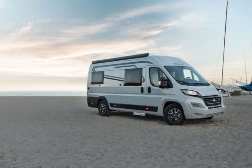 Hire a motorhome in Stolberg from private owners| Etrusco City-Van