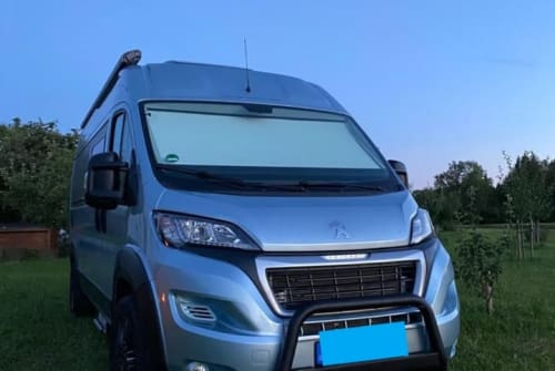Hire a motorhome in Gröbenzell from private owners| Peugeot Tourne Clara Korbinian