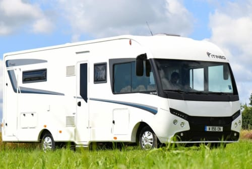 Hire a motorhome in Neustadt an der Orla from private owners| Itineo Itineo