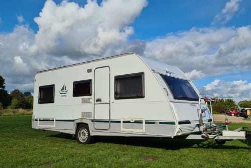 Hire a motorhome in Broderstorf from private owners| Knaus Tabbert Family Wowa