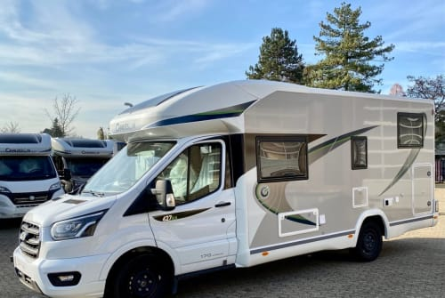 Hire a motorhome in Grevenbroich from private owners| Chausson MaxiToni 01