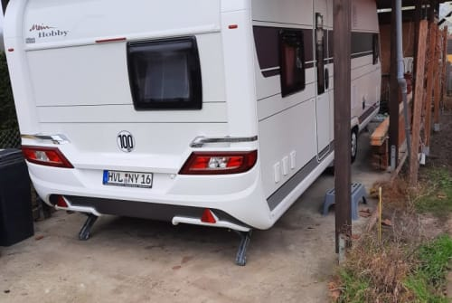 Hire a motorhome in Brieselang from private owners| Hobby Hobby 650 KMFE