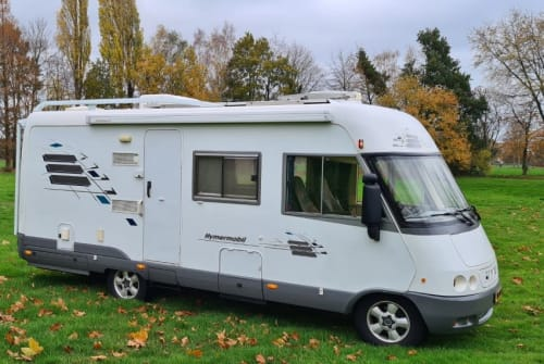 Hire a motorhome in Sint Hubert from private owners  Fiat Ducato Luxe Hymer