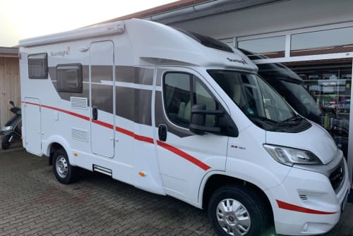 Hire a motorhome in Übersee from private owners| Sunlight  CaWo-2