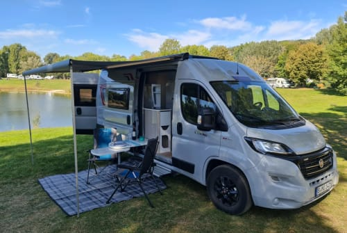 Hire a motorhome in Berlin from private owners| Challenger V114 Max