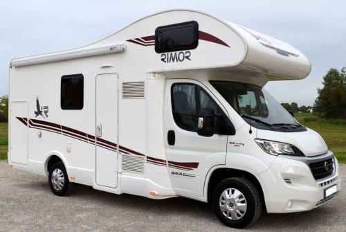 Hire a motorhome in Jetzendorf from private owners  Rimor Henry