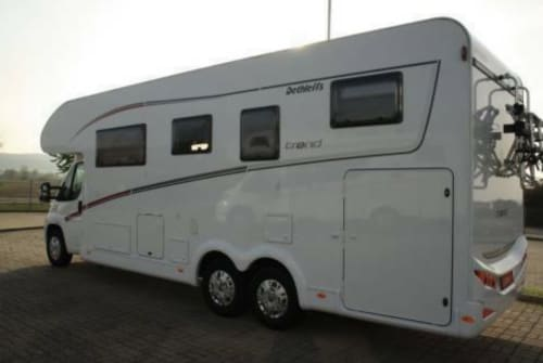 Hire a motorhome in Jesewitz from private owners| Dethleffs  FAT LADY