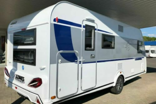 Hire a motorhome in Engelskirchen from private owners| Knaus  Luna
