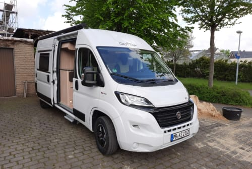 Hire a motorhome in Delbrück from private owners| Giottivan Road Runner