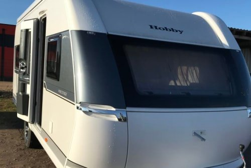 Hire a motorhome in Oberkrämer from private owners| Hobby Glamper