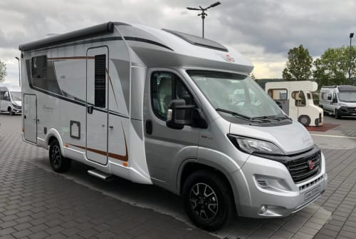 Hire a motorhome in Sinsheim from private owners| Bürstner Sir Henry