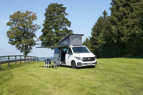 Hire a motorhome in Freising from private owners| VW CaliforniaBeach