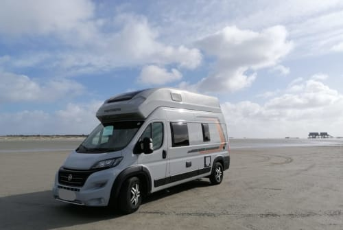 Hire a motorhome in Elmshorn from private owners| Weinsberg Henrietta