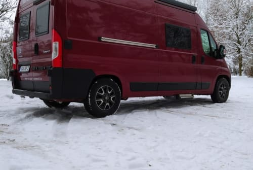 Hire a motorhome in Neustadt an der Orla from private owners| Clever RP Family