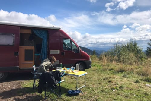 Hire a motorhome in Landau in der Pfalz from private owners| Fiat Ducato Roter Bäron
