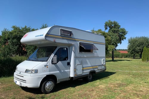 Hire a motorhome in Berlin from private owners| Fiat Ducato Waldemar
