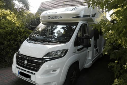 Hire a motorhome in Ganderkesee from private owners| Chausson Marie