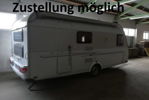 Hire a motorhome in Waldbach-Mönichwald from private owners| Knaus Emil