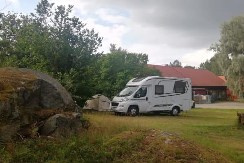 Hire a motorhome in Freiburg im Breisgau from private owners| Fiat Ducato ETRVSco