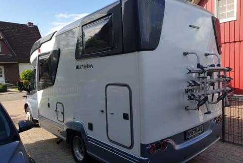 Hire a motorhome in Neumünster from private owners| Westfalia Margaux