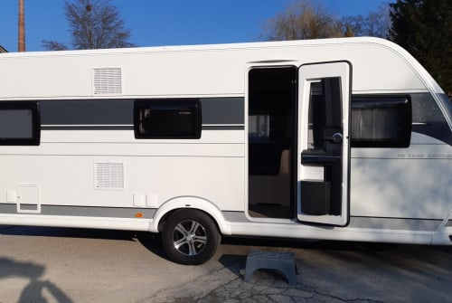 Hire a motorhome in Regen from private owners| Hobby Tweety 2