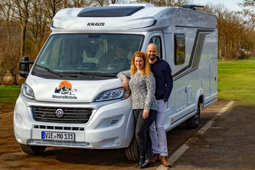 Hire a motorhome in Viersen from private owners| Knaus MooMo