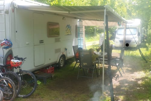 Hire a motorhome in Stephanskirchen from private owners| Knaus Bob