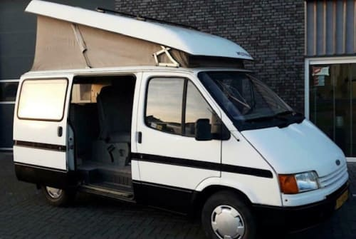 Hire a motorhome in Amsterdam from private owners| Ford Carpe Diem