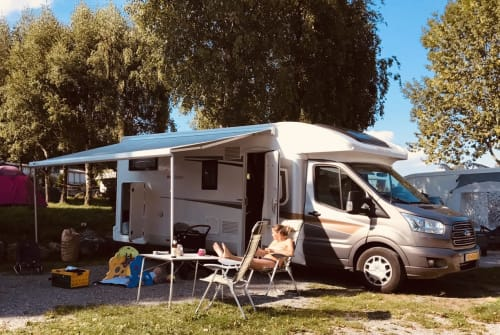 Hire a motorhome in Harderwijk from private owners| Roller Team H02 Roller Team H02