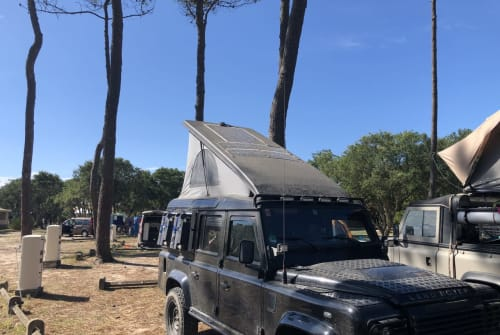 Hire a motorhome in Iserlohn from private owners| Landrover Defender 110 Defender_Yoda