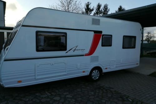 Hire a motorhome in Schmallenberg from private owners| Bürstner Averso 520