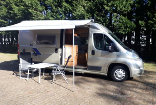 Hire a motorhome in Haarlem from private owners| Eura Mobil Camper Busmodel
