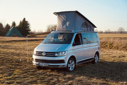 Hire a motorhome in Berlin from private owners| VW Lenni