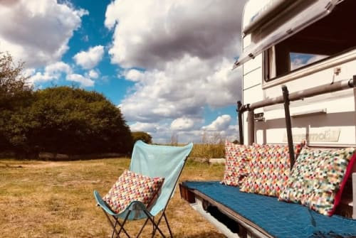 Hire a motorhome in Berlin from private owners  Hymer Retro Bessy