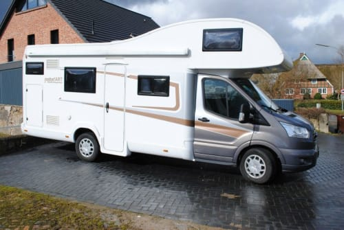 Hire a motorhome in Schönbek from private owners| Ford, NobelArt NobelArt A 8000