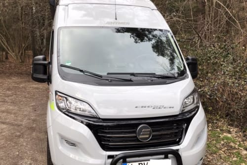Hire a motorhome in München from private owners| Hymer Car Dave