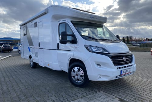 Hire a motorhome in Döbeln from private owners| Sun Living Sun Living