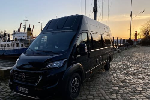 Hire a motorhome in Augsburg from private owners  Weinsberg  DJ Camper