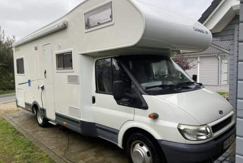 Hire a motorhome in Achtrup from private owners| Chausson Odin