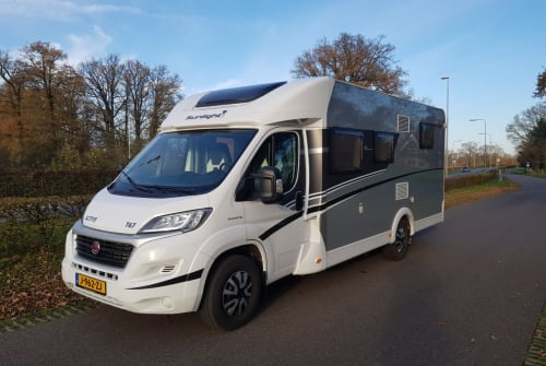 Hire a motorhome in Borne from private owners| Sunlight Sunlight T67