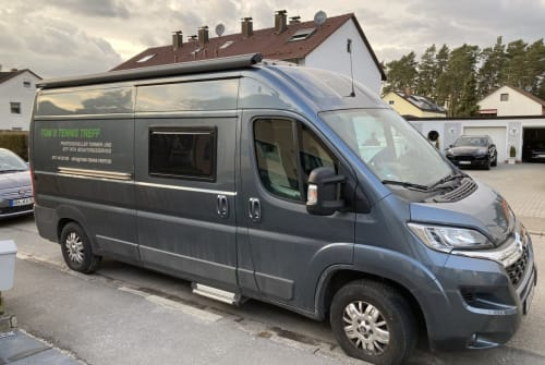 Hire a motorhome in Wendelstein from private owners| Clever Toms Mobil