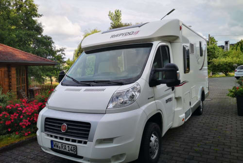Hire a motorhome in Düren from private owners| Rapido  Rapido