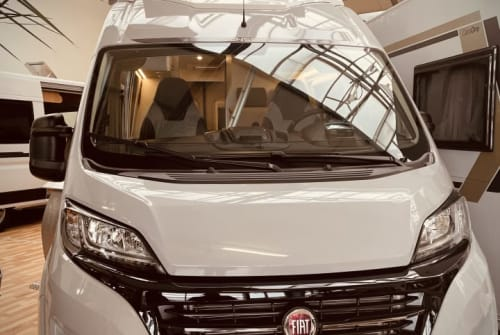 Hire a motorhome in Braunschweig from private owners  Weinsberg Weinsberg-Emma